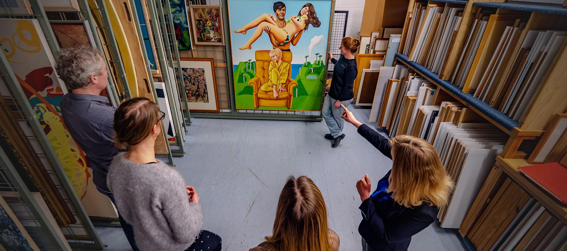 Art Gallery storage - group tour